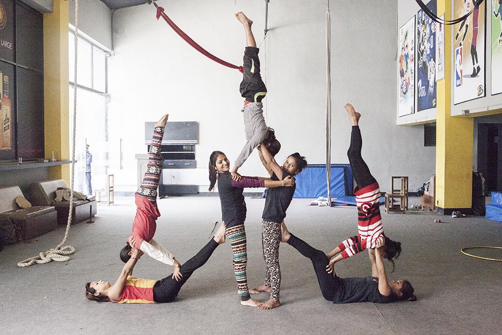 circus kathmandu by roberto rubalcava07